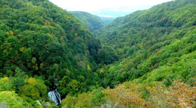 奥蓼科 横谷渓谷の王滝